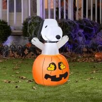 43% off 36 in. Inflatable Snoopy in Pumpkin w/ Woodstock + Free Shipping